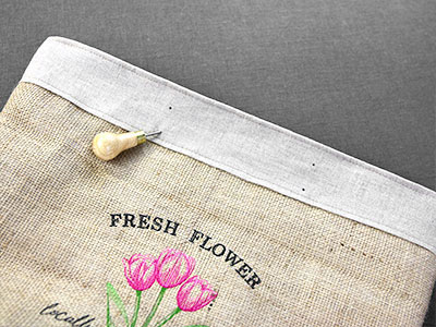 Free project instructions for create a market tote with leather straps.