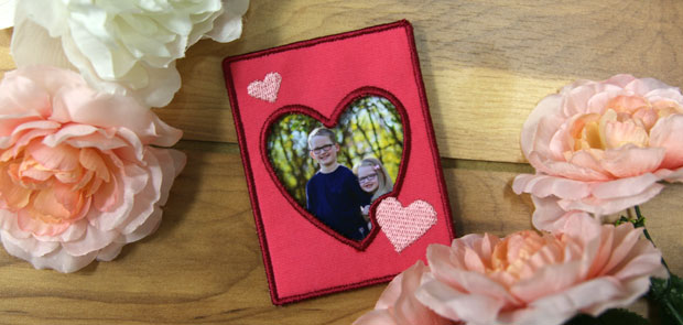 Free project instructions to embroider an in-the-hoop photo frame.