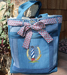 Free project instructions for upcycling jeans into a handy tote bag.