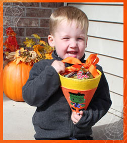 Free project instructions to make a Halloween treat cone.