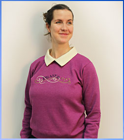Free project instructions for adding a collar to a sweatshirt.
