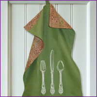 Create a handy-loop dish towel with free instructions for machine embroidery.