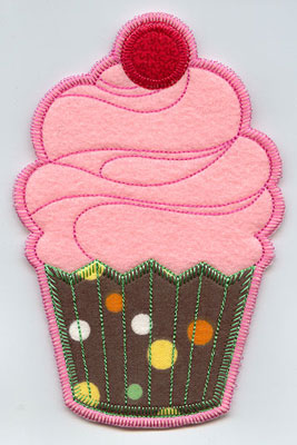 Cupcake in-the-hoop utensil holder machine embroidery design.