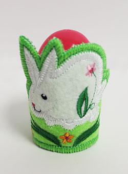 Easter egg or napkin holder machine embroidery design.