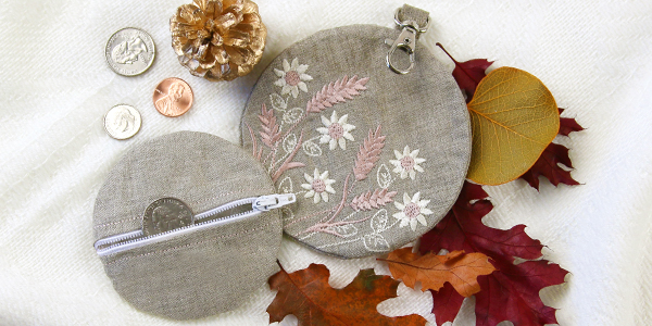 Free project instructions for creating an in-the-hoop zipper-back lined zipper pouch.